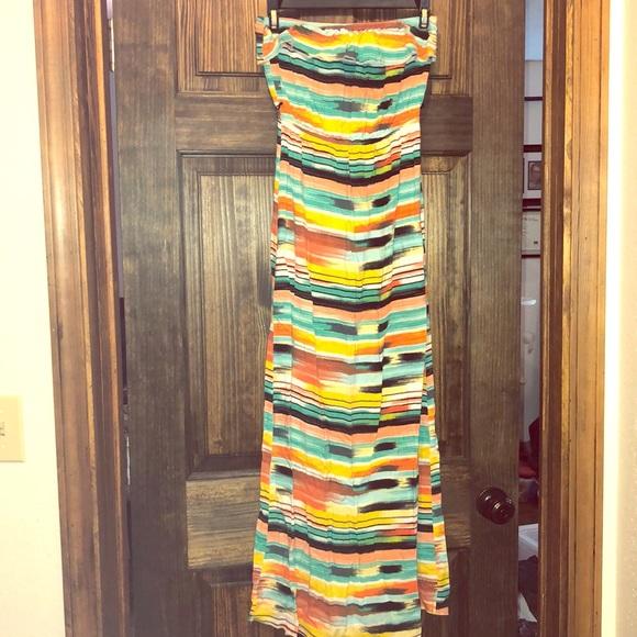 Trixxi Dresses & Skirts - Strapless multi color dress